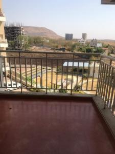 Gallery Cover Image of 1450 Sq.ft 3 BHK Apartment for rent in Dhanori for 23500