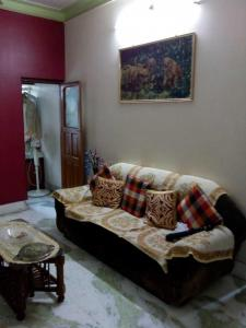 Gallery Cover Image of 1800 Sq.ft 3 BHK Apartment for rent in Ballygunge for 90000