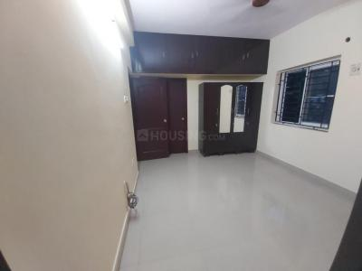 Gallery Cover Image of 1200 Sq.ft 3 BHK Apartment for rent in Ekkatuthangal for 26000