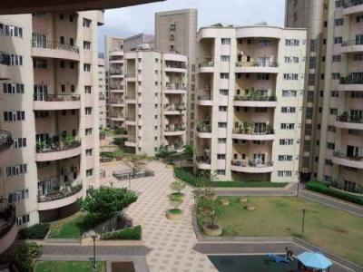Gallery Cover Image of 2120 Sq.ft 3 BHK Apartment for buy in Magarpatta Laburnum Park, Magarpatta City for 19500000