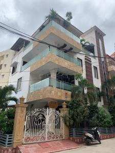 Gallery Cover Image of 6000 Sq.ft 10 BHK Independent House for buy in Manikonda for 32000000