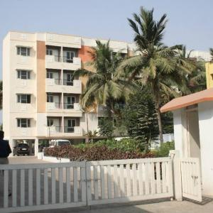 Gallery Cover Image of 1200 Sq.ft 3 BHK Apartment for rent in Surendra Homes, Pallavaram for 22000