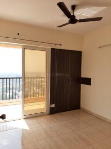 Gallery Cover Image of 1400 Sq.ft 3 BHK Apartment for rent in Mahagunpuram for 10000