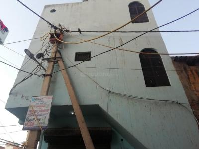 Gallery Cover Image of 150 Sq.ft 1 BHK Independent House for rent in Dwarka Mor for 8500