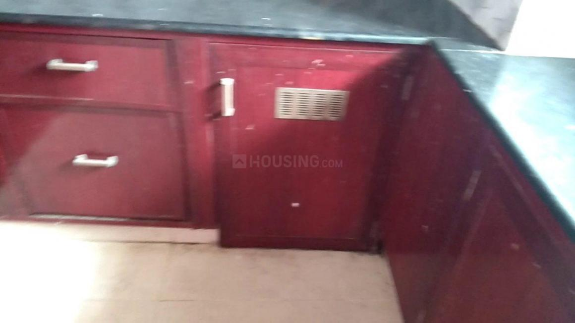 Kitchen Image of 860 Sq.ft 2 BHK Apartment for rent in Korattur for 10000