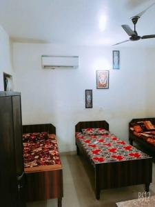 Bedroom Image of Kushi Girls PG in Sector 22
