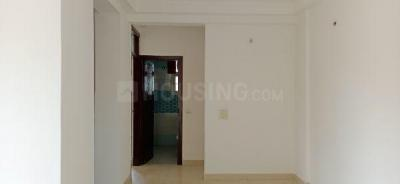 Gallery Cover Image of 1315 Sq.ft 3 BHK Apartment for buy in Purvanchal Royal Park, Sector 137 for 7400000