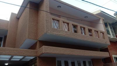 Gallery Cover Image of 2000 Sq.ft 3 BHK Independent House for rent in Koramangala for 70000