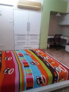 Gallery Cover Image of 900 Sq.ft 2 BHK Apartment for rent in Vile Parle West for 80000
