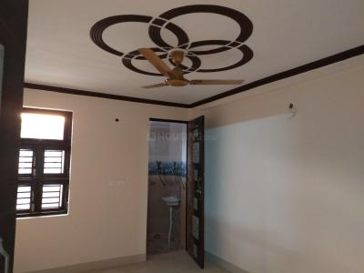 Gallery Cover Image of 630 Sq.ft 2 BHK Independent Floor for rent in Nawada for 12000