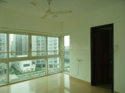Gallery Cover Image of 1755 Sq.ft 3 BHK Apartment for rent in Kandivali East for 40000