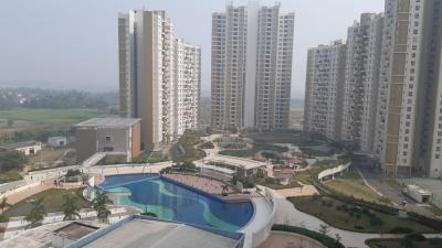 Gallery Cover Image of 1350 Sq.ft 2 BHK Apartment for rent in Merlin Elita Garden Vista, New Town for 25000