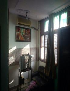 Gallery Cover Image of 340 Sq.ft 1 RK Independent Floor for rent in Kalkaji for 12000