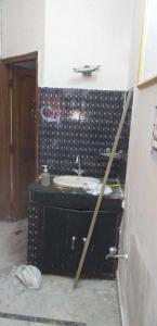 Gallery Cover Image of 800 Sq.ft 2 BHK Independent House for rent in Sector 16 Rohini for 15000