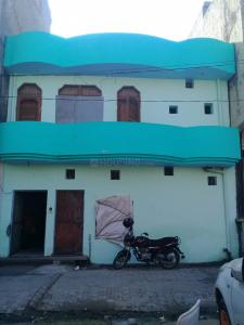 Gallery Cover Image of 900 Sq.ft 4 BHK Independent House for rent in Loni for 17000