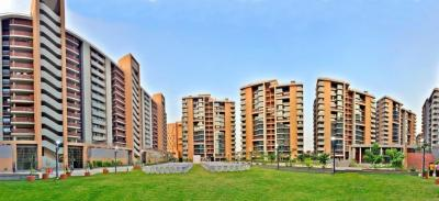 Gallery Cover Image of 2395 Sq.ft 3 BHK Apartment for buy in Maple Tree Garden Homes, Memnagar for 23500000