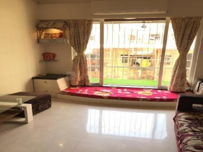 Gallery Cover Image of 750 Sq.ft 1 BHK Apartment for rent in Fakhri Apartment, Mazgaon for 42000