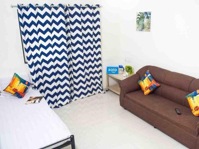 पिंपले निलख में ज़ोलो सनस्पेअर के लिविंग रूम की तस्वीर