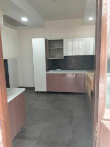 Gallery Cover Image of 2700 Sq.ft 4 BHK Independent Floor for rent in Sector 52 for 50000