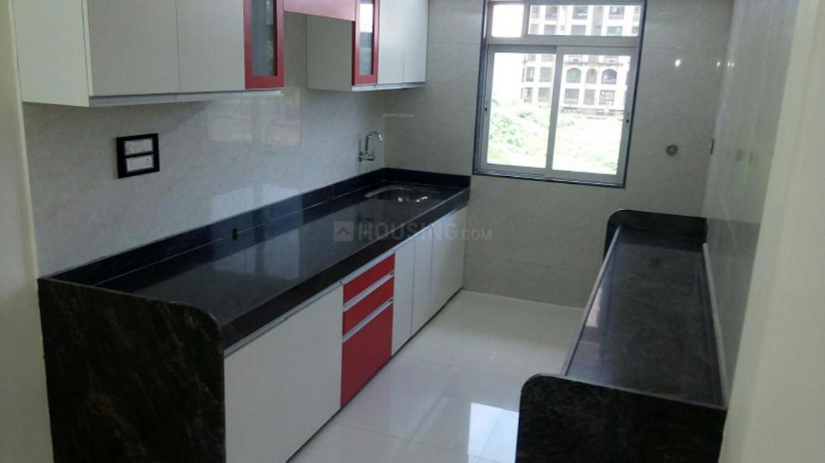 Kitchen Image of 700 Sq.ft 2 BHK Apartment for buy in Dahisar East for 13500000