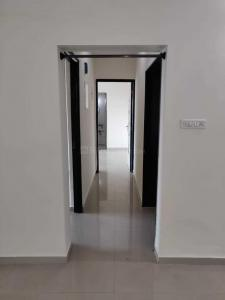 Gallery Cover Image of 1000 Sq.ft 2 BHK Apartment for rent in Kandivali East for 31000