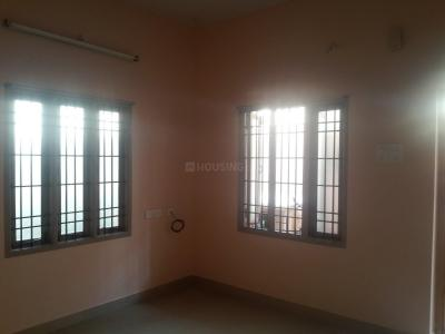 Gallery Cover Image of 950 Sq.ft 2 BHK Apartment for rent in Nangainallur for 10000