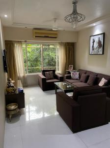 Gallery Cover Image of 1000 Sq.ft 2 BHK Apartment for buy in Harsha Apartment 1, Andheri West for 27500000