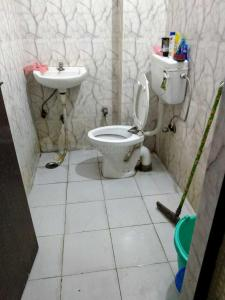 Bathroom Image of Bhav PG in Laxmi Nagar