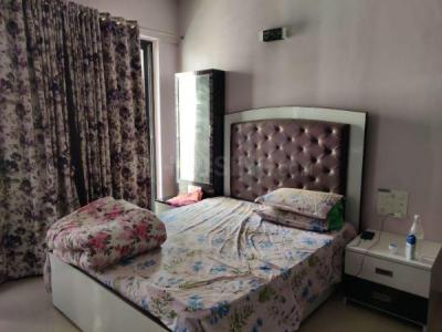 Gallery Cover Image of 900 Sq.ft 2 BHK Apartment for buy in Rustomjee Elanza, Malad West for 25500000