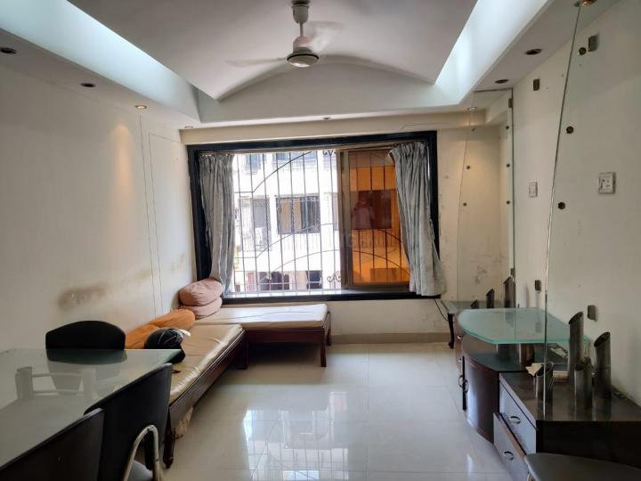 Hall Image of 650 Sq.ft 1 BHK Apartment for rent in Dadar West for 50000