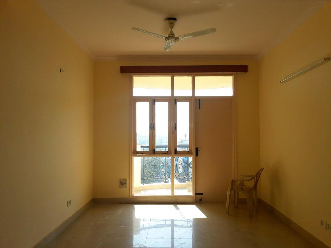Living Room Image of 1728 Sq.ft 3 BHK Apartment for buy in Sector 31 for 6600000