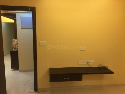 Gallery Cover Image of 800 Sq.ft 2 BHK Apartment for rent in Juhu for 75000