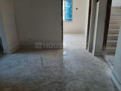 Gallery Cover Image of 725 Sq.ft 2 BHK Apartment for buy in Purba Putiary for 2750000