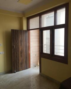 Gallery Cover Image of 540 Sq.ft 2 BHK Independent Floor for rent in Shahdara for 12000
