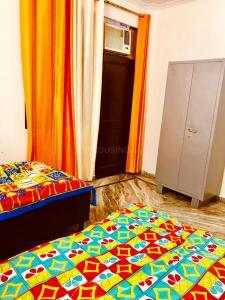 अहिंसा खंड में होम फ्लाइ में बेडरूम की तस्वीर