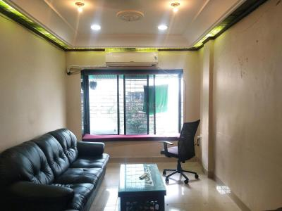 Gallery Cover Image of 860 Sq.ft 2 BHK Apartment for buy in Andheri West for 27500000