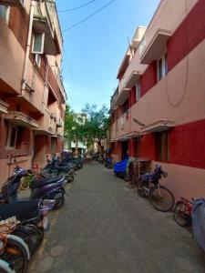 Gallery Cover Image of 529 Sq.ft 1 BHK Apartment for buy in KK Nagar for 3500000