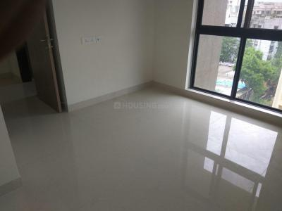 Gallery Cover Image of 1090 Sq.ft 2 BHK Apartment for rent in Kandivali West for 32000