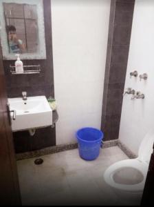 Bathroom Image of Rooms Nest PG in Garhi