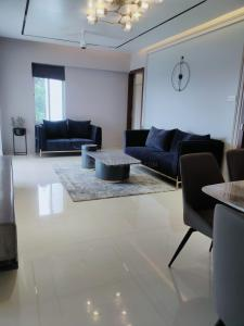 Gallery Cover Image of 1596 Sq.ft 3 BHK Apartment for buy in Kothrud for 16000000