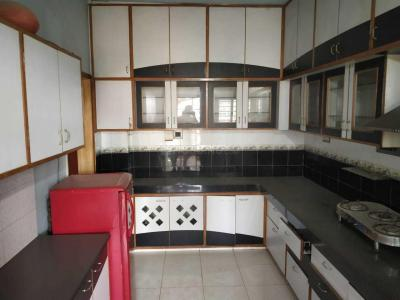 Gallery Cover Image of 2000 Sq.ft 3 BHK Apartment for rent in Swagat Status 1, Chandkheda for 20000