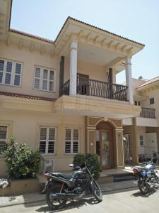 Gallery Cover Image of 275 Sq.ft 4 BHK Independent House for buy in Shela for 17000000