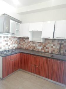 Gallery Cover Image of 900 Sq.ft 3 BHK Independent Floor for buy in Kopar Khairane for 13000000