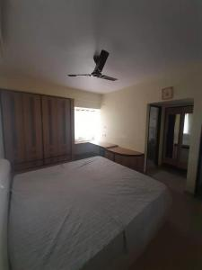 Gallery Cover Image of 1600 Sq.ft 3 BHK Apartment for rent in Sahakara Nagar for 37000