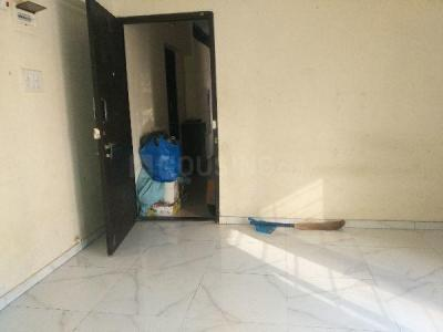 Gallery Cover Image of 1050 Sq.ft 2 BHK Apartment for rent in Malad West for 31000
