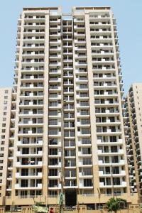 Gallery Cover Image of 2480 Sq.ft 4 BHK Apartment for buy in Noida Extension for 8100000