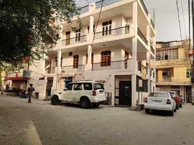 Building Image of PG 4973749 Vikaspuri in Vikaspuri