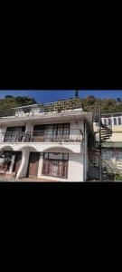 Gallery Cover Image of 1800 Sq.ft 3 BHK Independent House for buy in Kulhan for 16000000