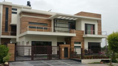 Gallery Cover Image of 1640 Sq.ft 2 BHK Independent House for rent in Sector 4 for 15300
