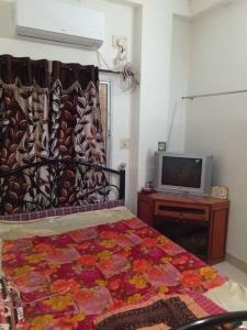 Gallery Cover Image of 500 Sq.ft 1 BHK Apartment for rent in Netaji Nagar for 13000